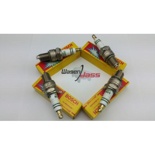 Jeu de 4 bougies d'allumage Bosch W215T30 / 0241243500